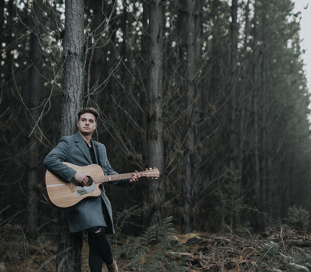 Angus Legg Guitar & Vocals